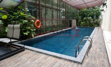 Renovated 5 Bedrooms BUNGALOW With POOL @ Merryn Road