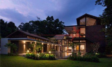 RESORT STYLE GCB @ BIN TONG PARK by renowned architect