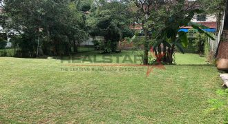 **Low $$$ Below 1k Psf ! !! GCBA Land** @ Chestnut Drive
