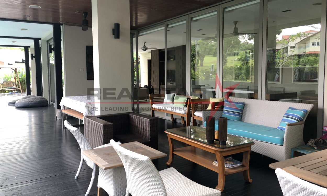 BEAUTIFUL BUNGALOW W PARK VIEWS, MIN WALK MRT, 1KM MGS