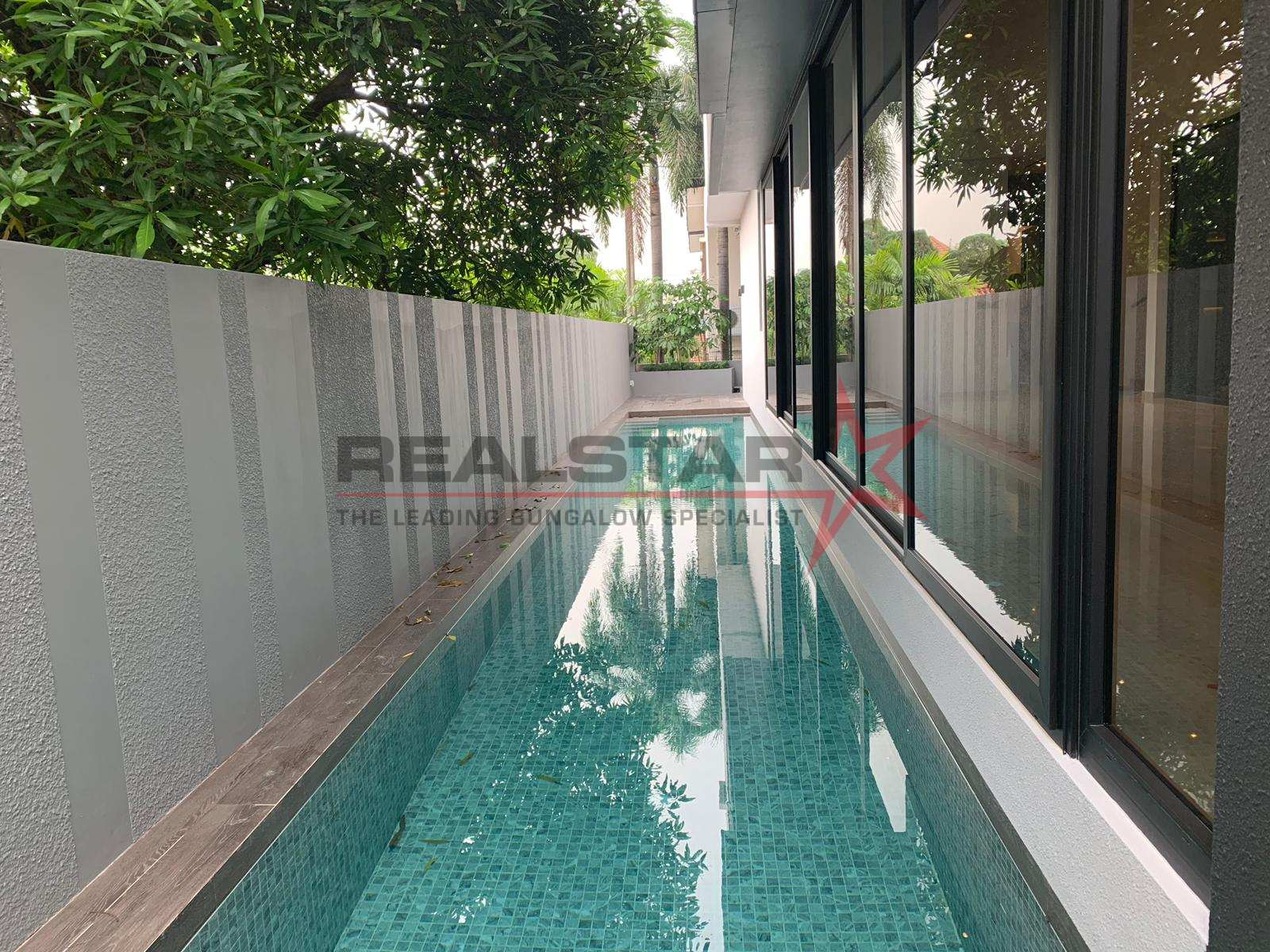 Gems At Holland Grove – Bungalow With Light And Space