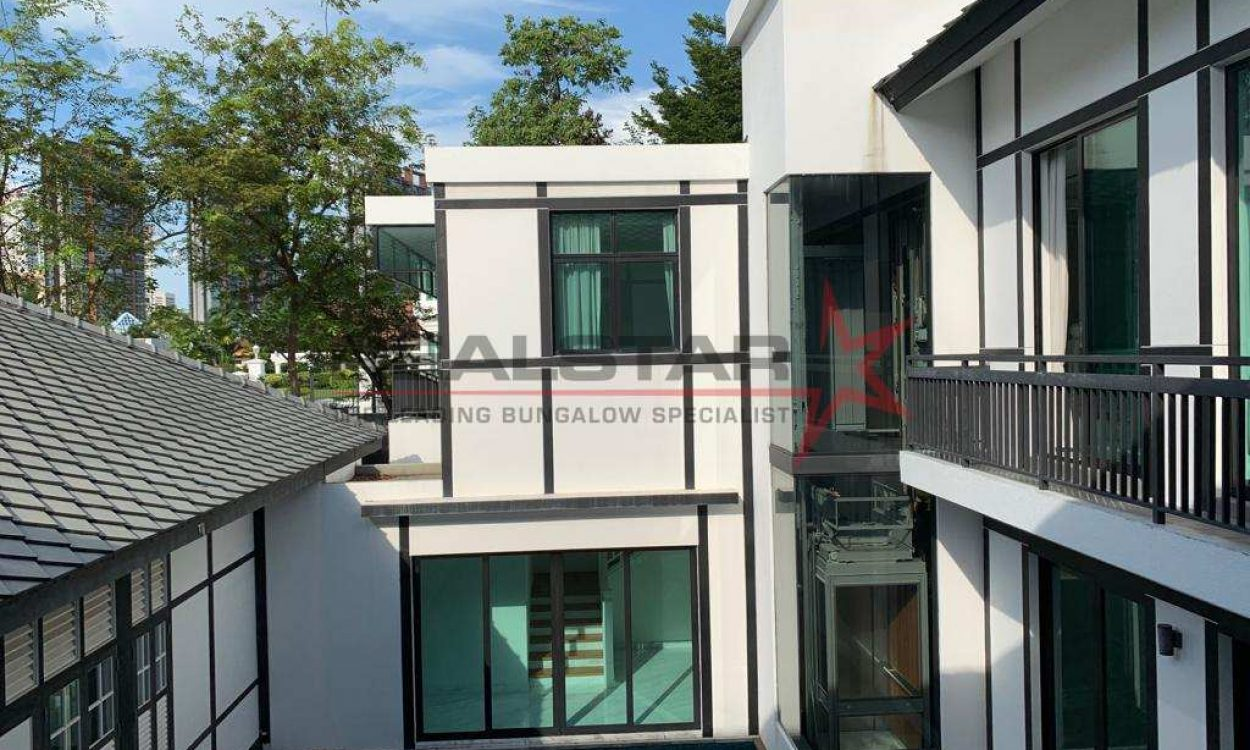 Elegant Good Class Bungalow @ CABLE/NATHAN ROAD