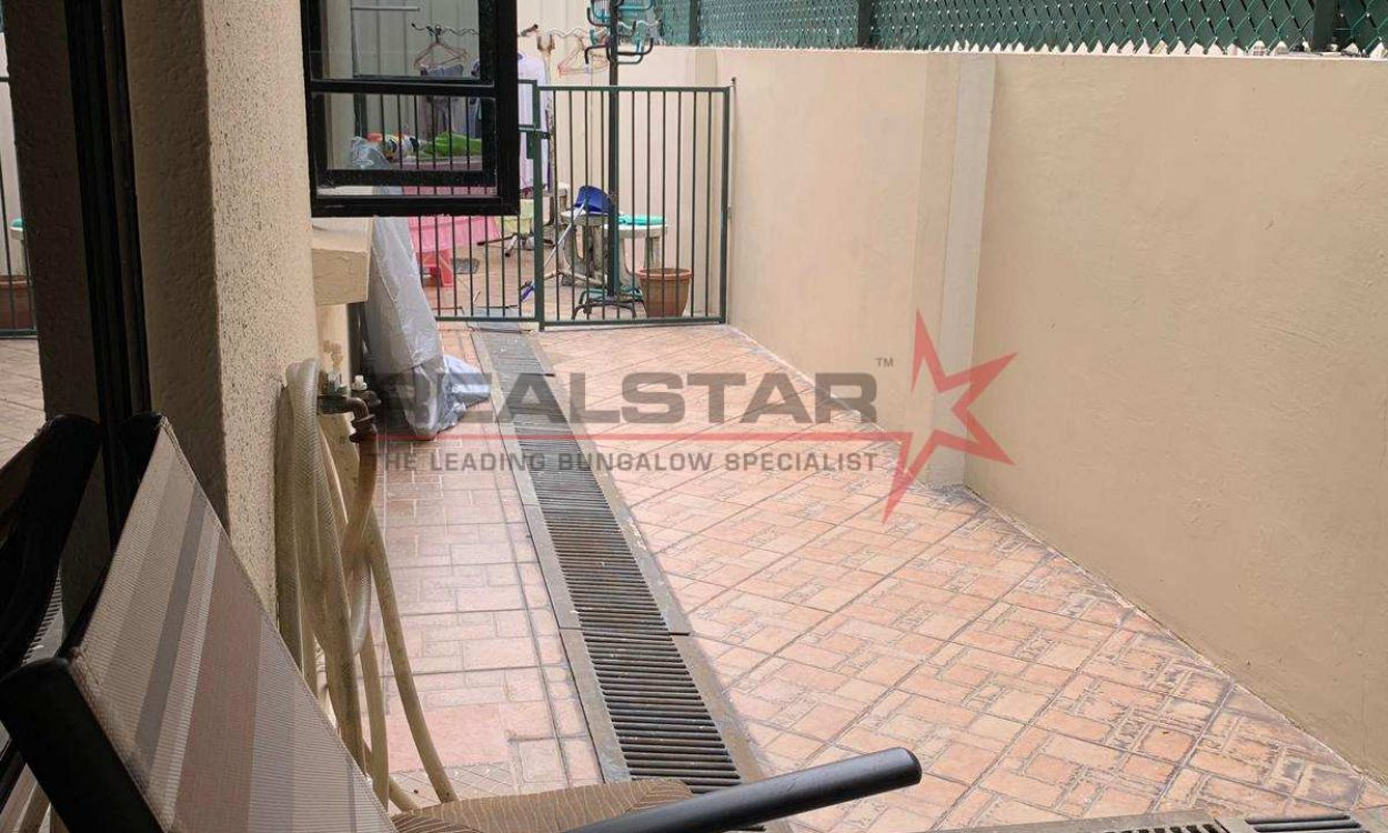 Well Renovated FREEHOLD Semi-Detached @ King's Road