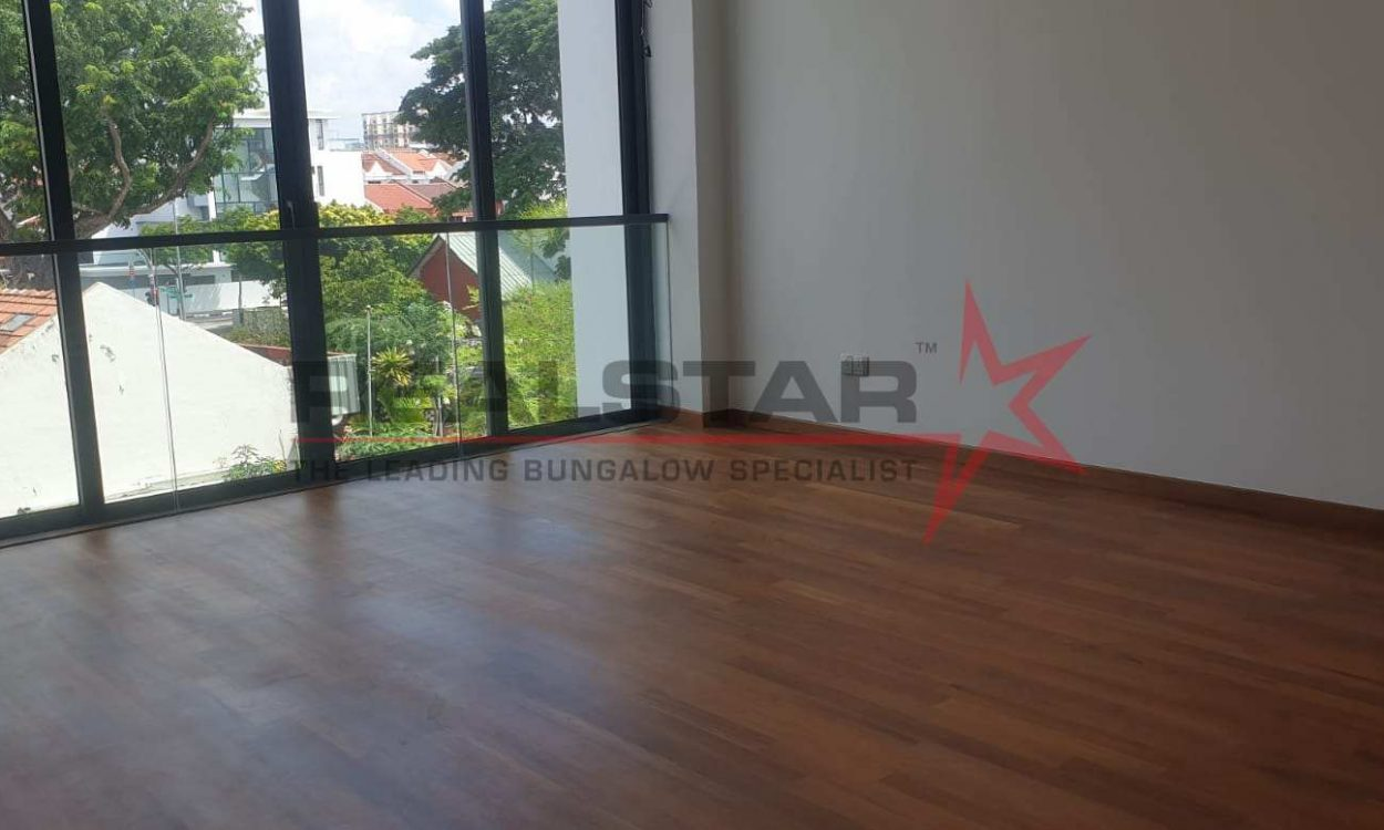 Brand New Inter-terrace with 1km away from TNS