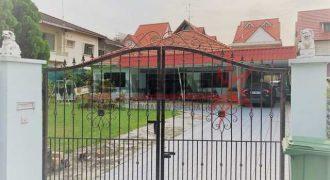 Original Single Storey Bungalow In Frankel Estate