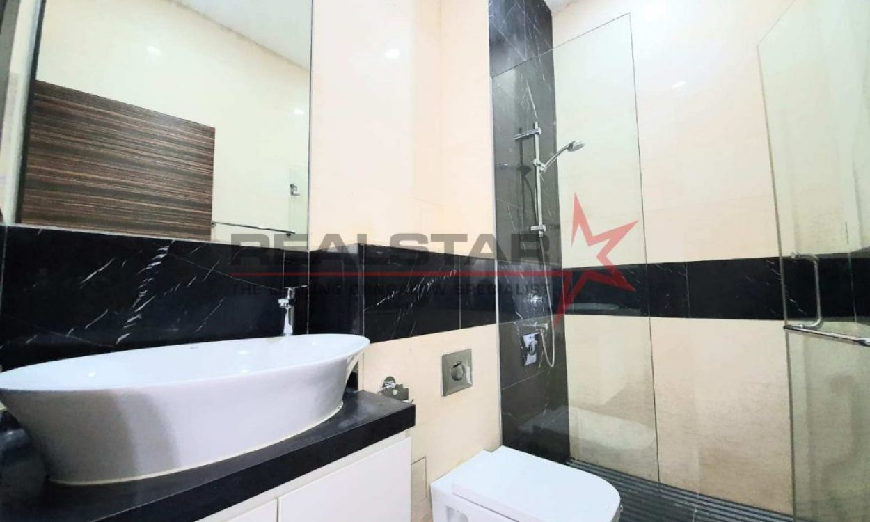 Siglap Well Renovated Semi Detached-Windy