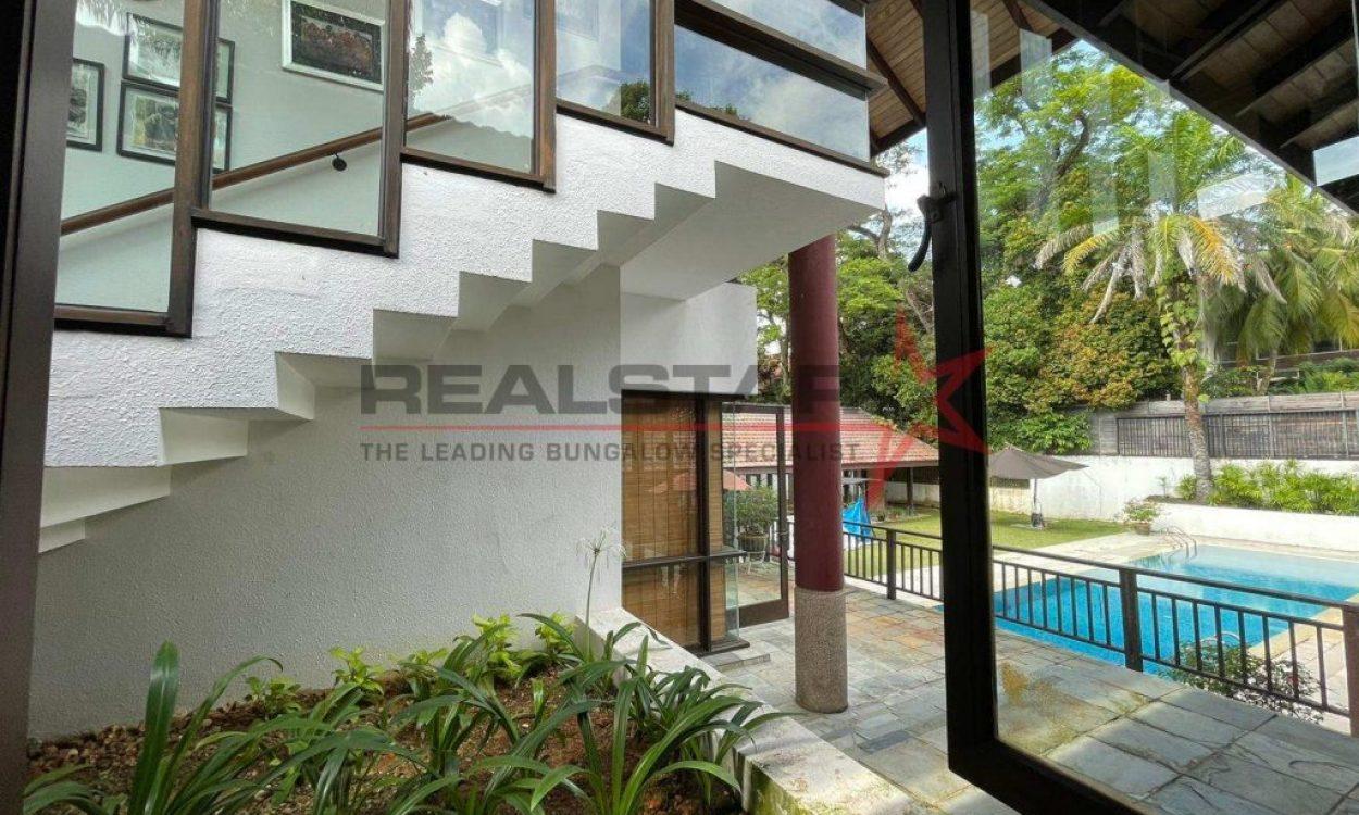 ★ D10 Upscale Tanglin Locale –  Beautiful Tropical Resort Home ★